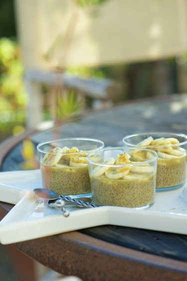 recette de pudding de graines de chia au the matcha et bananes
