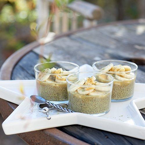 recette de chia pudding au thé matcha et lait de coco
