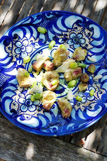 recette d'artichauts poivrade, févettes et parmesan