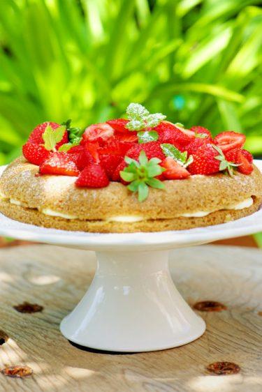 recette de victoria sponge cake sans gluten aux fraises