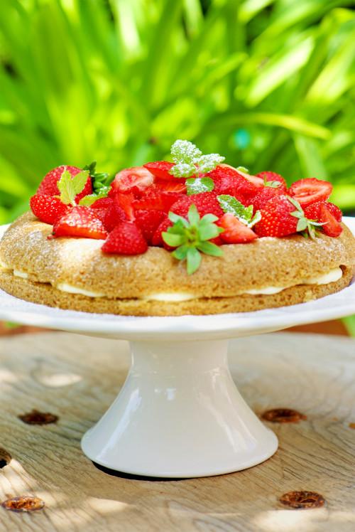 recette de Victoria sponge cake aux fraises sans gluten