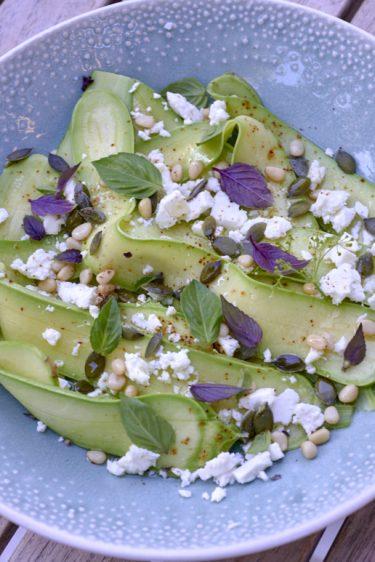 recette de salade de courgette de nice féta pignons