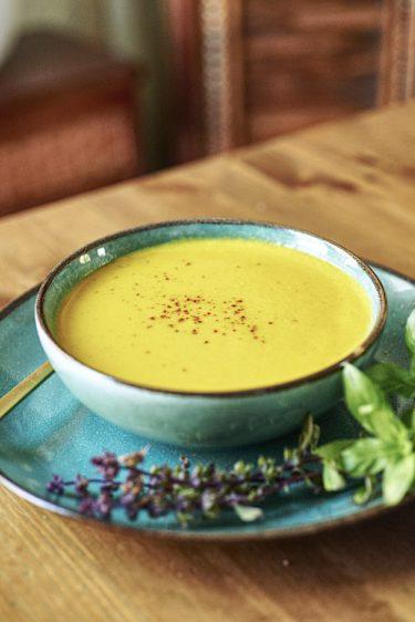 recette de crème de carotte au curcuma et gingembre frais