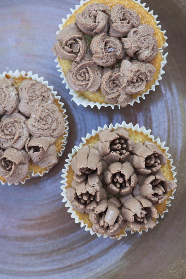 recette de cupcakes fleurs, crème au chocolat
