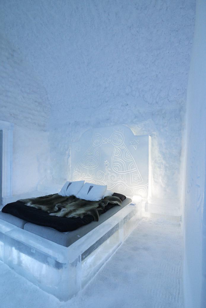 Lit dans une chambre de glace au Icehotel 365