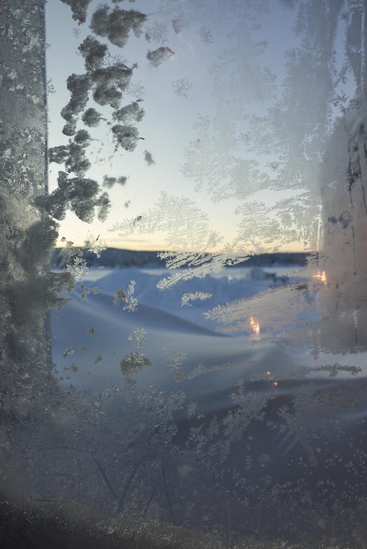 Vue sur la Thorne river au Icehotel en Suède