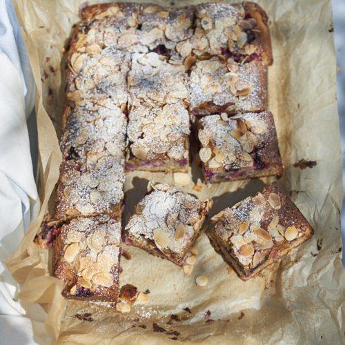 Gâteau aux amandes et aux fruits rouges