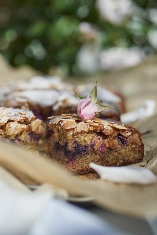photo culinaire de Gâteau aux amandes et aux fruits rouges