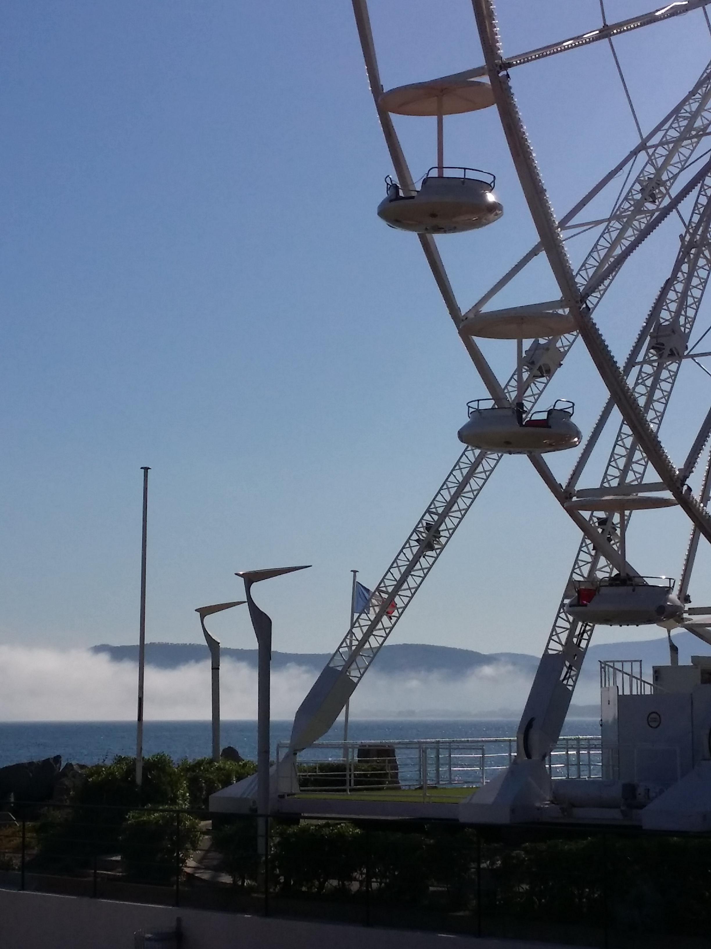 Grande roue sur la mer à Saint Raphaël