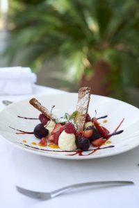 Milleufeuille à la vanille et fruits rouges