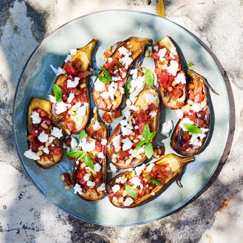 Aubergines rôties, sauce vierge de tomate