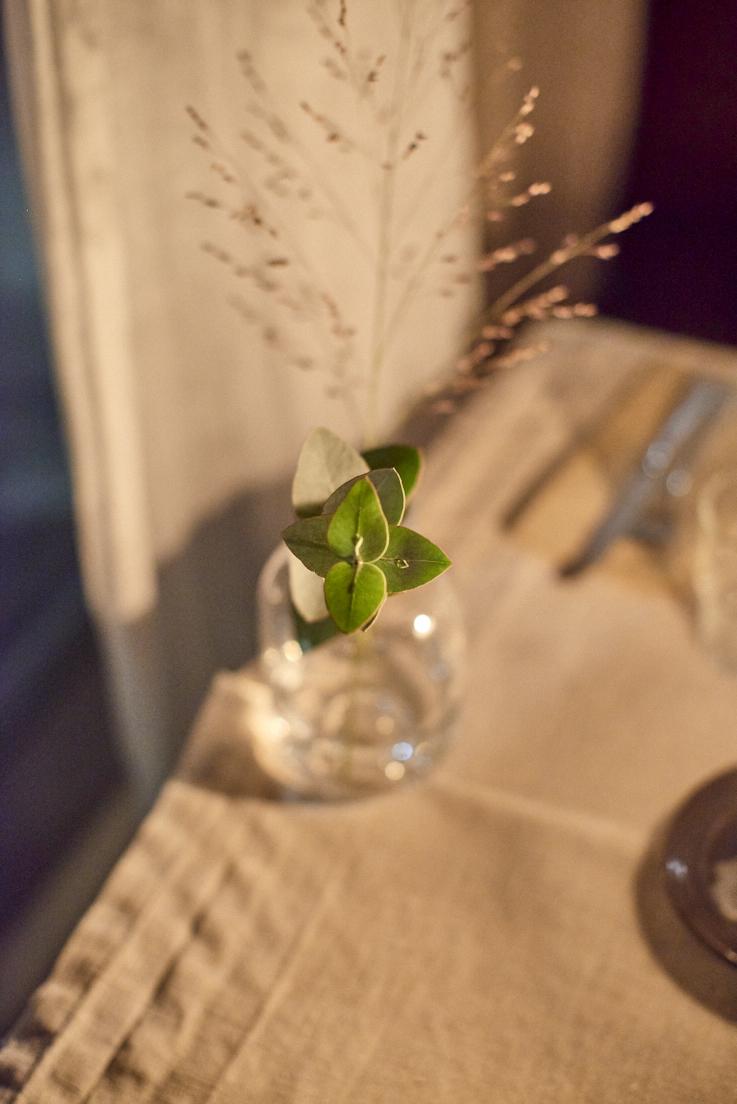 Bouquet sur une table au Bryggargatan