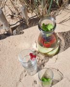 recette d'infusion glacée aux fruits rouges et herbes fraîches
