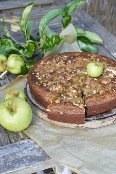 photographie culinaire d'un gâteau aux pommes