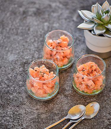 recette de tartare de saumon à l'orange et épices du trappeur