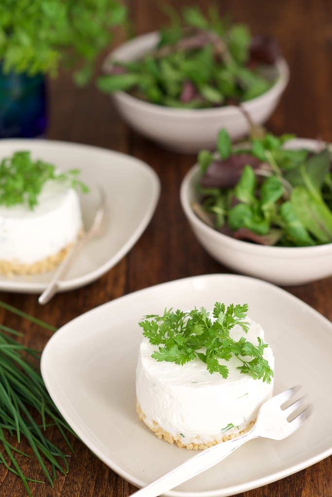 Cheesecakes aux herbes fraîches