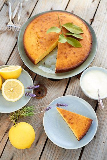 recette de gâteau sans gluten au citron et à la farine de maïs