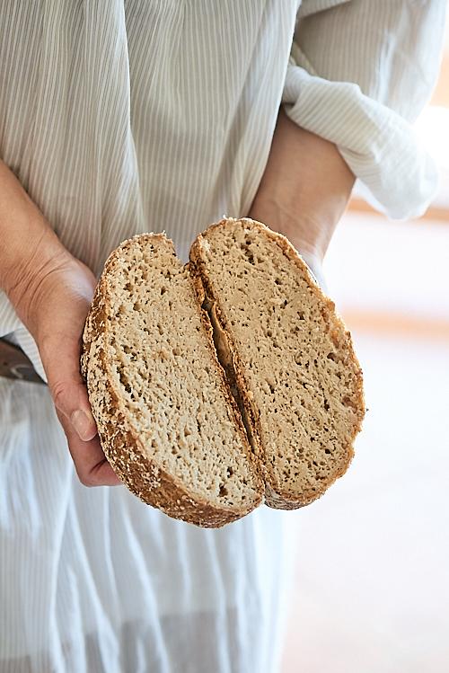 photo culinaire d'un pain cocotte au levain