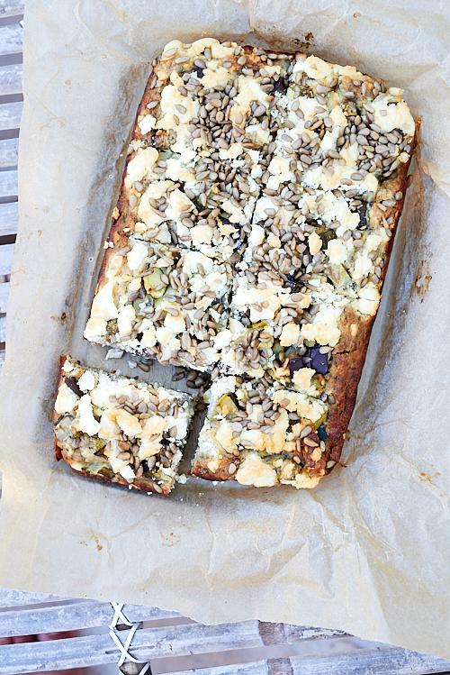 Gâteau de pommes de terre, féta et graines