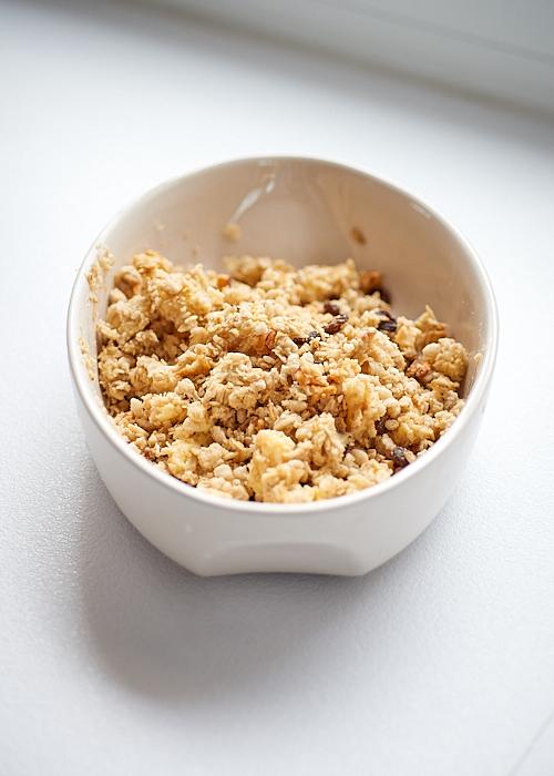 photo culinaire d'une pâte à crumble au granola