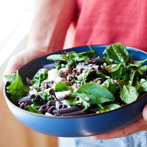 Salade de penne, épinards et chèvre frais