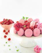 recette de charlotte aux framboises et macarons
