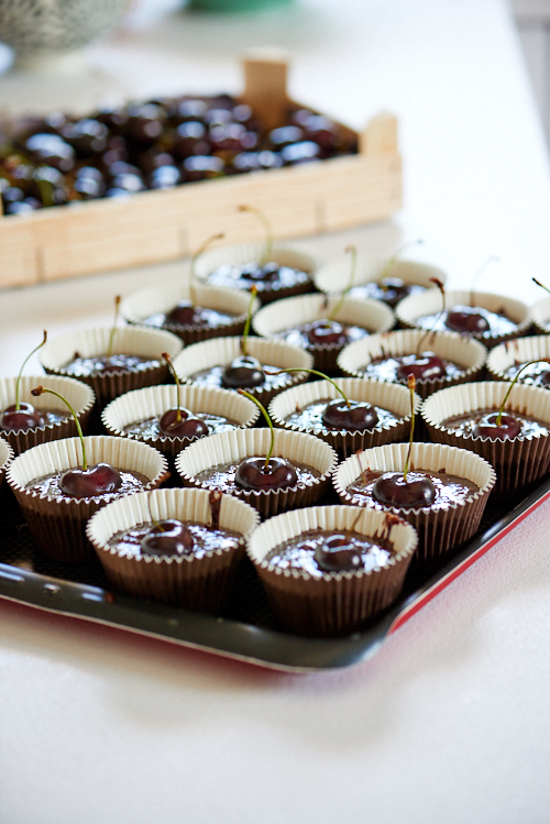 photo culinaire des gâteaux sans gluten chocolat et cerises