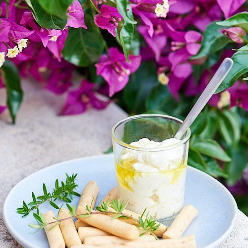 Tartinade grecque à la féta et au manouri