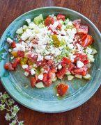 recette de salade de tomates, concombre et feta