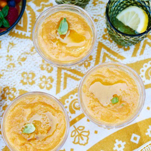 Soupe de tomates jaunes rôties