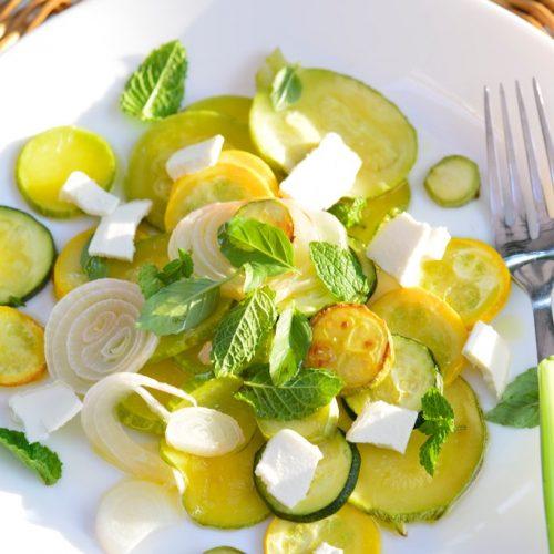 recette de salade de courgettes et cébettes grillées, brebis