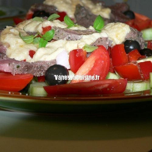 Salade grecque à l'agneau