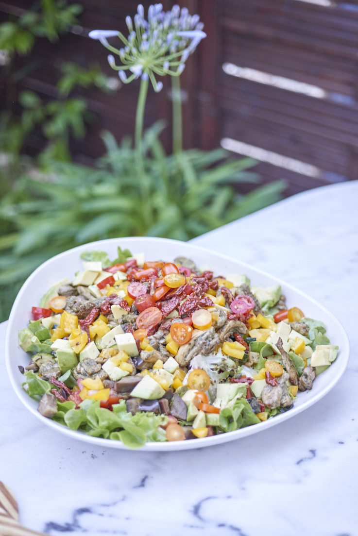 recette de salade de poulet, légumes grillés au pistou