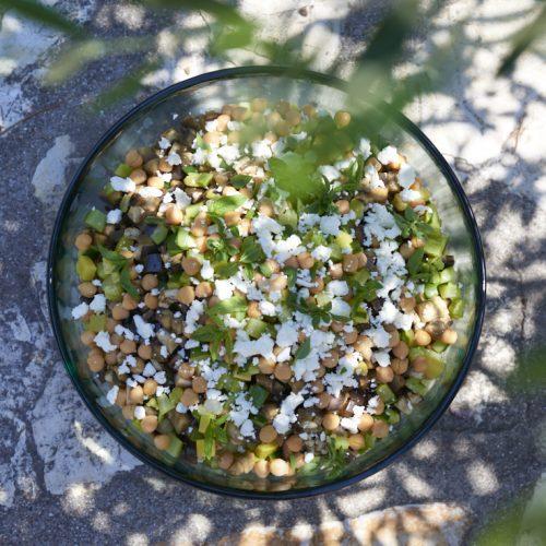 recette de Salade de quinoa, pois chiche, féta, courgettes et aubergines