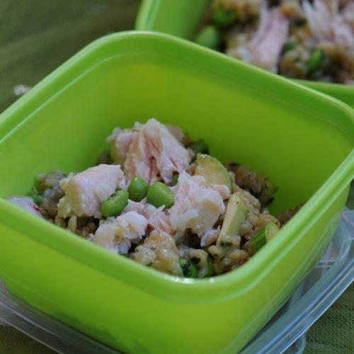 recette de salade de riz complet au saumon et rouget, edamame