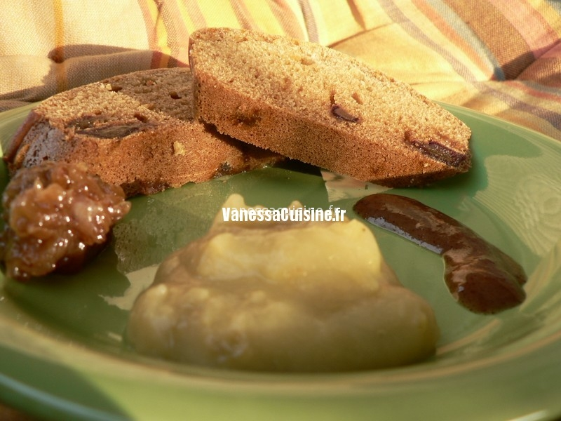 recette de Cake à la farine de maïs, miel et datte