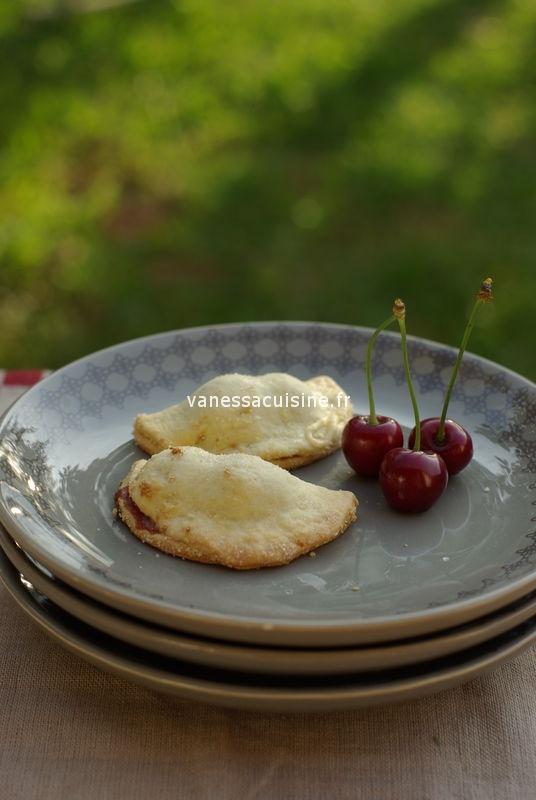 Recette de Chaussons aux cerises et aux amandes