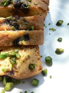 recette de moelleux à la pâte d'amande et aux mûres sans gluten