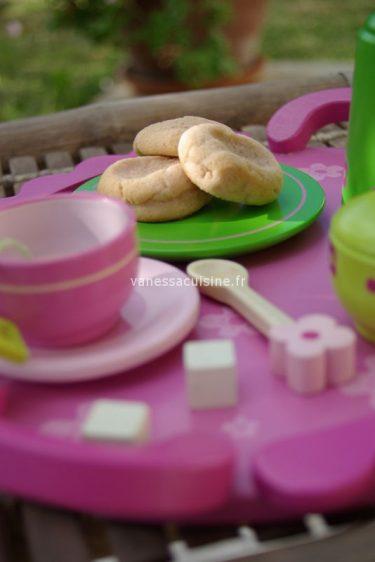 recette de nan berenji, biscuits indiens à la rose et cardamome