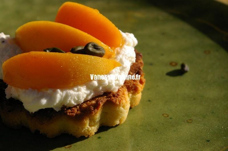 Tartelette sablée aux abricots du jardin