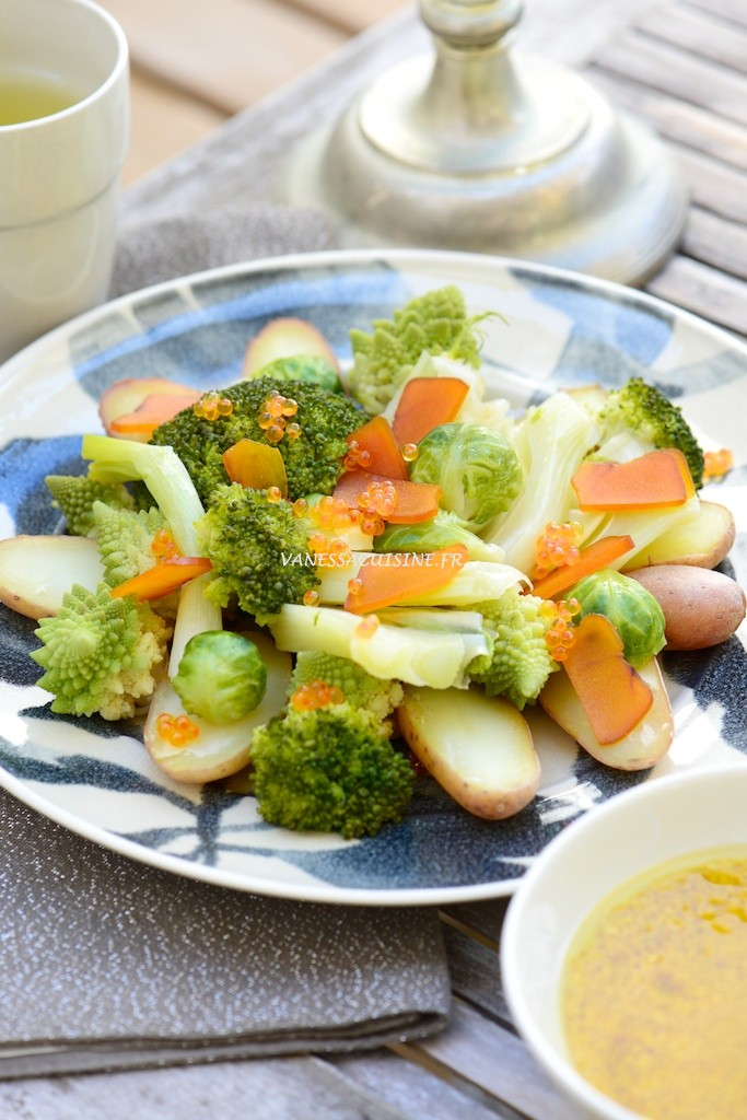 recette de salade de chou romanesco et pommes de terre à la poutargue et oeufs de truite, vinaigrette au safran