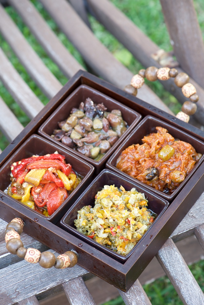 aperitifs da tavola con litalia salsa modanese ... vanessa romano photographe et styliste culinaire pho9407