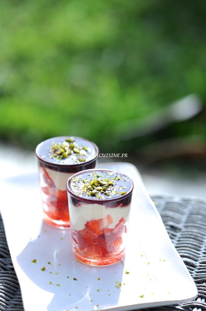 recette de Petits pots fraises chocolat blanc