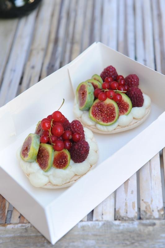 recette de Tartelettes macarons chocolat blanc et fruits de saison
