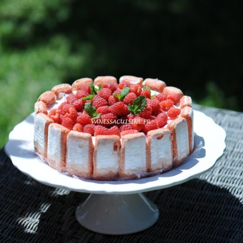 recette de Charlotte aux framboises biscuits roses de Reims