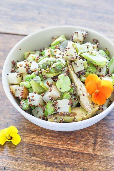 recette de Salade de légumes de printemps et quinoa noir