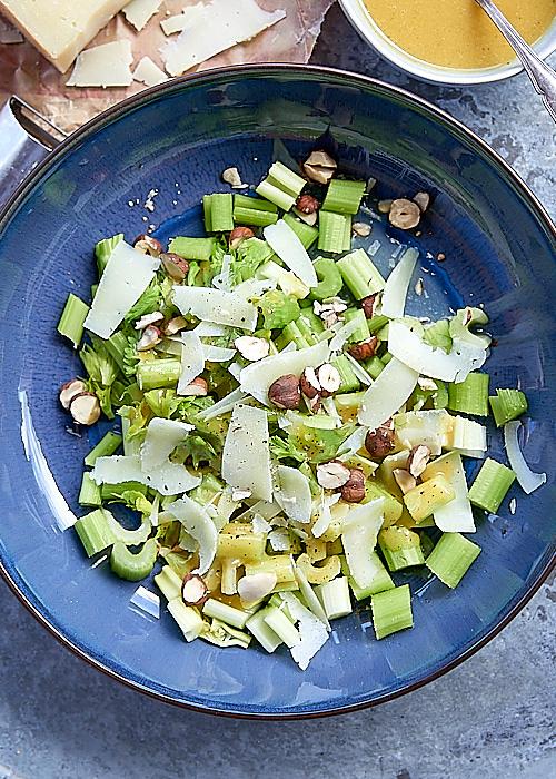 photo culinaire de Salade de céleri au Pecorino, vinaigrette au miel