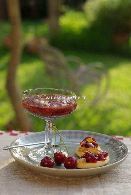 photo culinaire de Soupe de cerise et tapenade de cerise