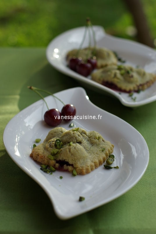 photo culinaire de Petites tourtes pistache cerise