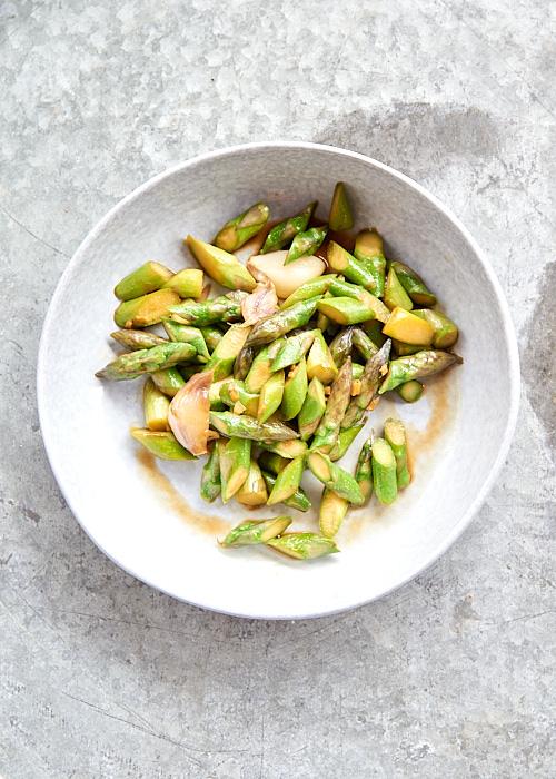 recette de Wok d'asperges vertes au gingembre